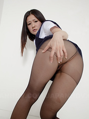 Hot darling Amu Umino shows her stockings