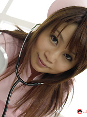 Asin nurse Honami Isshiki sucks many dicks