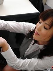 Nasty gal Arisa Suzuki sucks dicks with joy